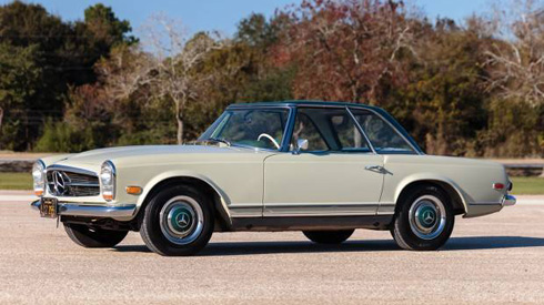 1968 Mercedes 250SL at Gooding and Company Scottsdale 2018 Mercedes Market
