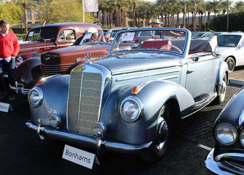 Mercedes Market Discussion At The MBCA Desert Stars Section Auction - Scottsdale classic car show