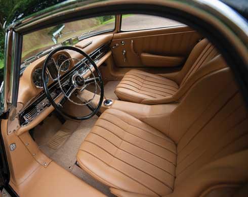 1961-Mercedes-Benz-300-SL-Roadster-RM-Sothebys-Auction-Monterey-2018-interior