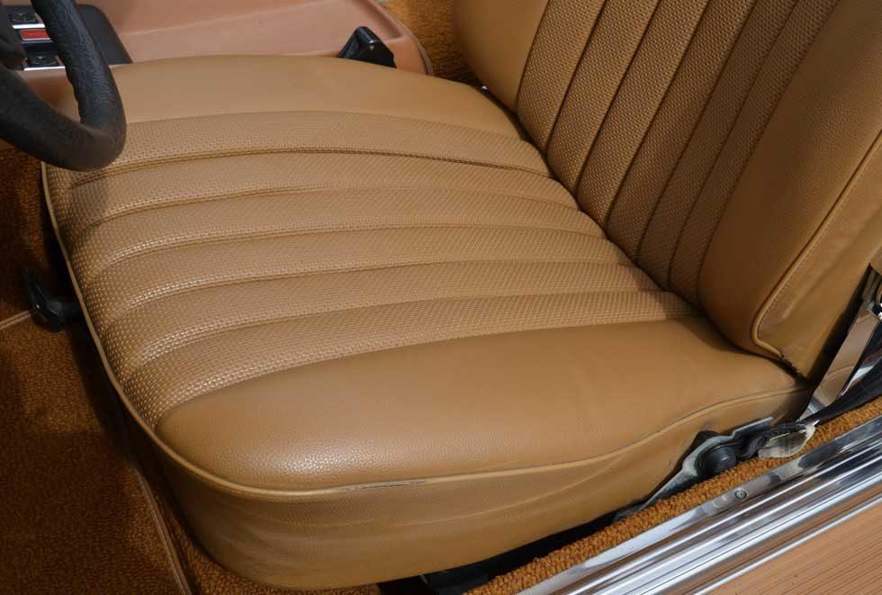 1977 Mercedes 450SL Maple Yellow - MB tex Close up
