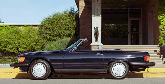 Mercedes-560SL-Bonhams-Quail-Lodge-2019-Mercedes-Market-R107