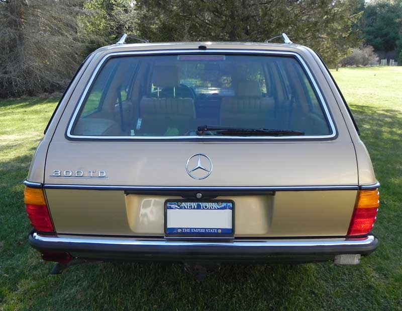 1985-Mercedes-300TD-Wagon-Diesel-W123-Mercedes-Market-For-Sale-3