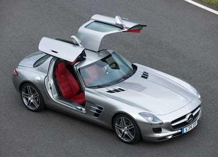 Mercedes-SLS-AMG-History-Mercedes-Market-Gullwing-Doors-Top