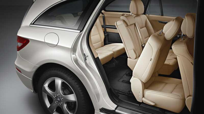 Mercedes-R-Class-2006-2012-Mercedes-Market-R-class-rear-seat-entry
