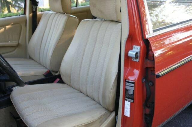 1980-Classic-Mercedes-W123-230E-For-Sale-Parchment-Interior-Mercedes-Market-1